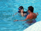 ANTIGUA, instructor giving scuba diving lesson in pool, ANT1325JPL