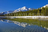 CANADA, Alberta, Jasper National Park, Rockies, mountain reflection along Icefield Parkway, CAN746JPL