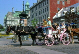 CANADA, Quebec, MONTREAL, Old Town, Place  Jacques Cartier, horse drawn carriage, CAN639JPL