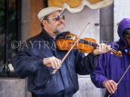 CANADA, Quebec, MONTREAL, Old Town, street entertainer with violin, MON813JPL