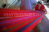 GUATEMALA, woman weaving, traditional hand weaving, GUA12JPL