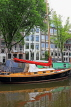 HOLLAND, Amsterdam, canlaside and houseboat, HOL841JPL