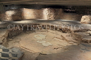 ITALY, Lombardy, MILAN, The Duomo, Baptistery, archaeological area, ITL1997JPL