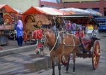 Indonesia, SUMATRA, Bukittinggi, Market place and horse-drawn taxi, IND107JPL