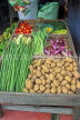 SRI LANKA, Pussellawa, town centre, shop stall with vegetables on display, SLK4224JPL