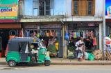 SRI LANKA, Pussellawa, town centre, small shops and taxi, SLK4222JPL