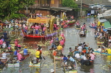 THAILAND, Bangkok, Rap Bua Lotus Throwing Festival, decorated boats and crowds, THA2184JPL