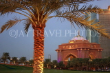 UAE, ABU DHABI, Emirates Palace Hotel, gardens and palm tree, UAE608JPL