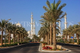 UAE, ABU DHABI, Sheik Zayed Mosque, and palm tree lined avenue, UAE656JPL