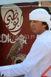 UAE, ABU DHABI, man with Falcon, UAE682JPL