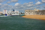 UK, Hampshire, PORTSMOUTH, ferry enterting by old city walls, beach, UK6562JPL