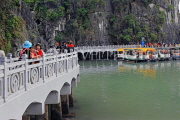 VIETNAM, Halong Bay, Bo Hon Island, Sung Sot Caves, walkway to harbour, VT1921JPL