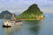 VIETNAM, Halong Bay, Ti Top Island, and cruise boat, VT1772JPL
