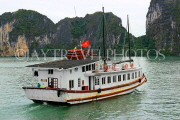 VIETNAM, Halong Bay, cruise boat and limestone formations, VT1855JPL