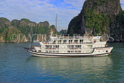 VIETNAM, Halong Bay, cruise boat and limestone formations, VT1862JPL
