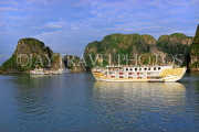 VIETNAM, Halong Bay, cruise boats and limestone formations, VT1866JPL