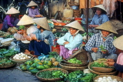 VIETNAM, Hoi An, Central Fruit and Vegetable Market, and vendors, VT648JPL