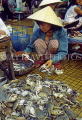 VIETNAM, Hoi An, woman selling crabs (in fish market), VT399JPL