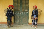 VIETNAM, Lao Cai province, Sapa, Ta Phin, Red Yao tribe women with baskets, VT624JPL