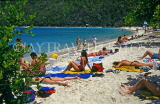 Virgin Islands (US), ST THOMAS, Magen's Bay beach and sunbathers, CAR36PL